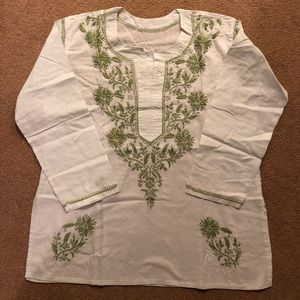 Cotton hand embroidered tunic.